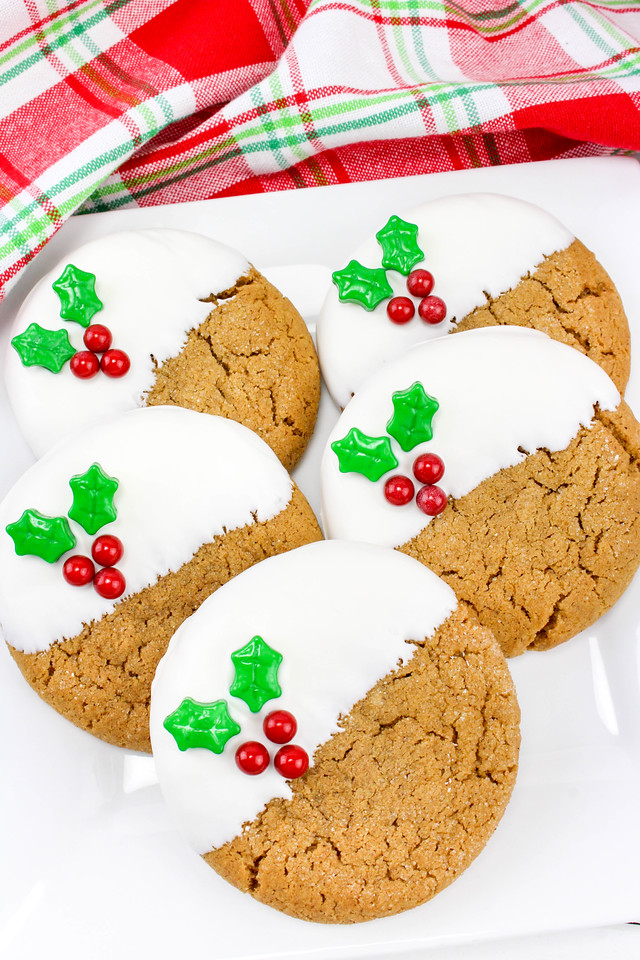 This holiday recipe for Gingerbread Holly Cookies will brighten up your holiday season, and add much needed sunshine to your winter. #ad #NatureMadeVitaminD