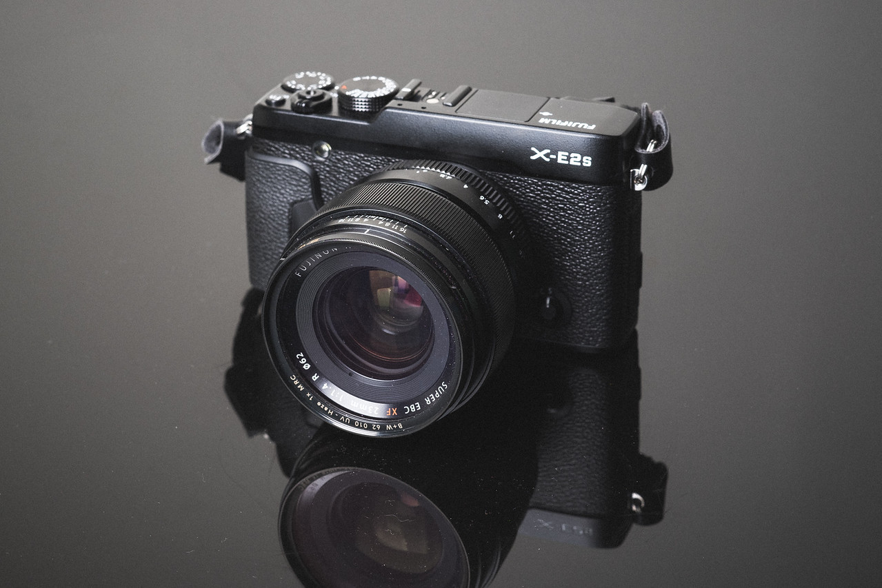 See all the best accessories for the Fujifilm X-E2 and X-E2s.