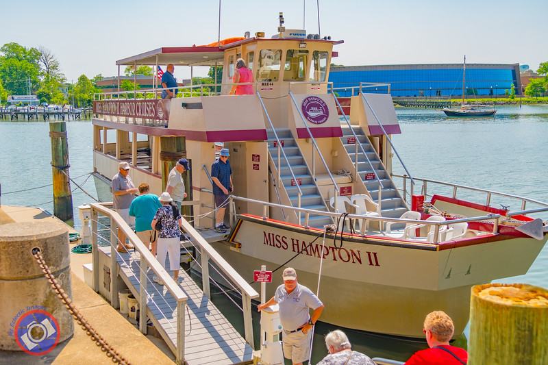 Loading Passengers on the Miss Hampton II at the Town Dock in Hampton (©simon@myeclecticimages.com)