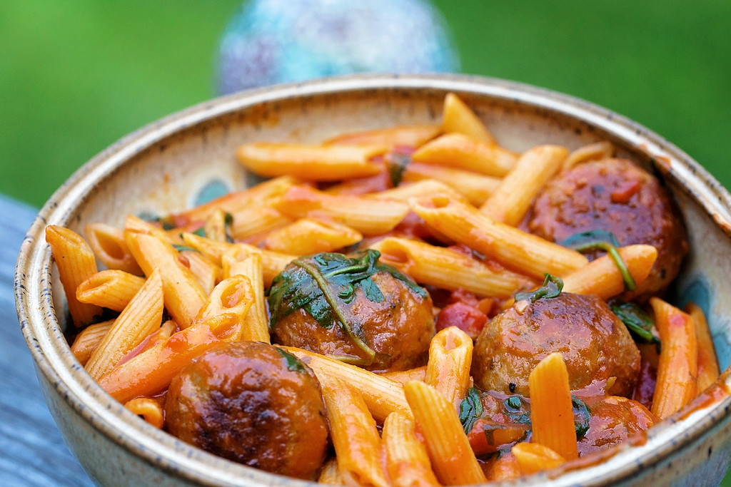 One Pan Penne with Meatballs and Arugula