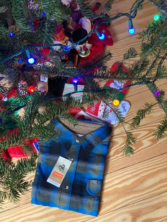 How do we get through the stresses of the holiday season? With Amazon, of course! Here are 5 reasons we use amazon.com for the holidays! #ad #AmazonDeliver