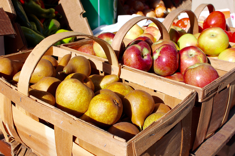 baskets of apples and pears