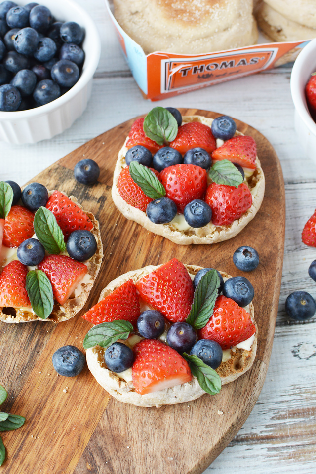 Find out how you can make Brie and Berry English Muffins Appetizers AND win a foodie trip for two! #ad #ExploreThomas #ExploreThomasSweepstakes #Walmart