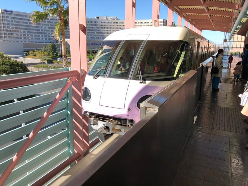 Getting from Hotel Hilton Tokyo Bay to Disneyland Tokyo