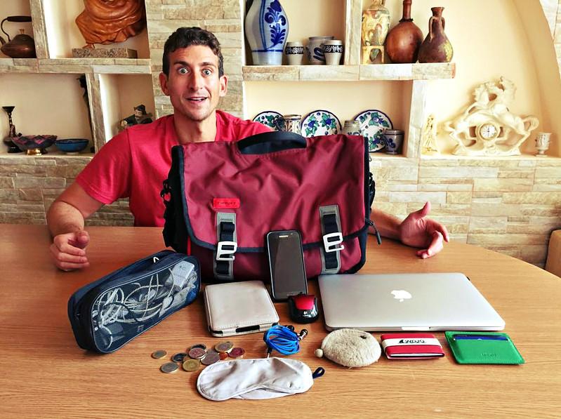 Full-time traveler - messenger bag