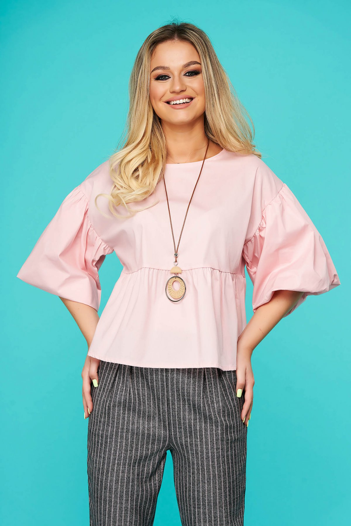 SunShine Bluza dama SunShine roz deschis eleganta scurta cu croi larg din bumbac subtire cu accesoriu tip colier