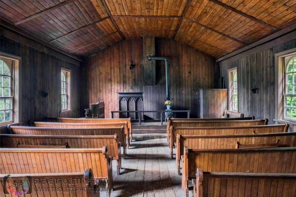 Rockingham Church and St. Leonard's Anglican Cemetery - Interior HDR