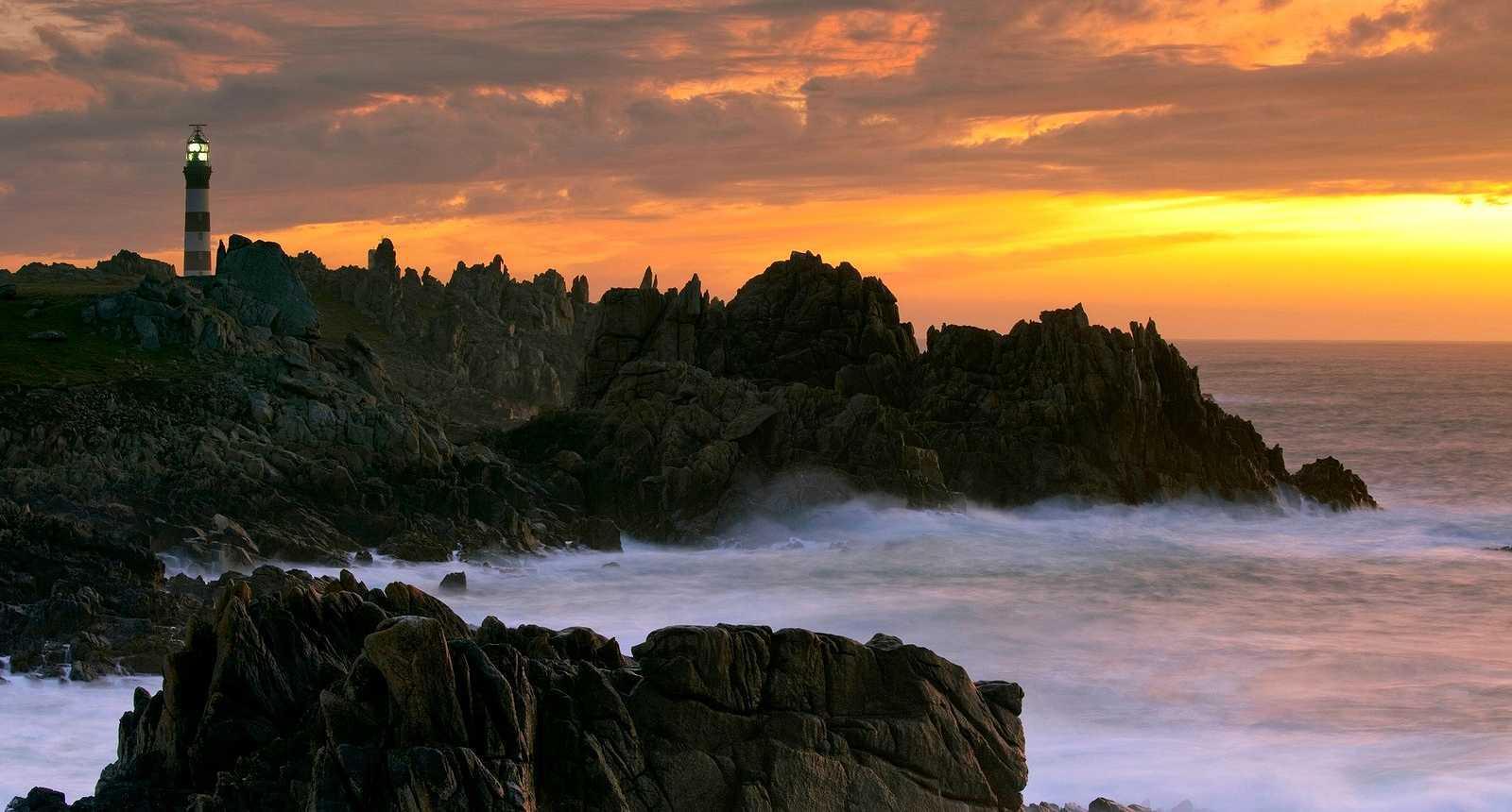 LILE DOUESSANT Pointe de la Bretagne  Guide de tourisme et visite en photos