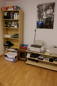 A decluttered bookcase