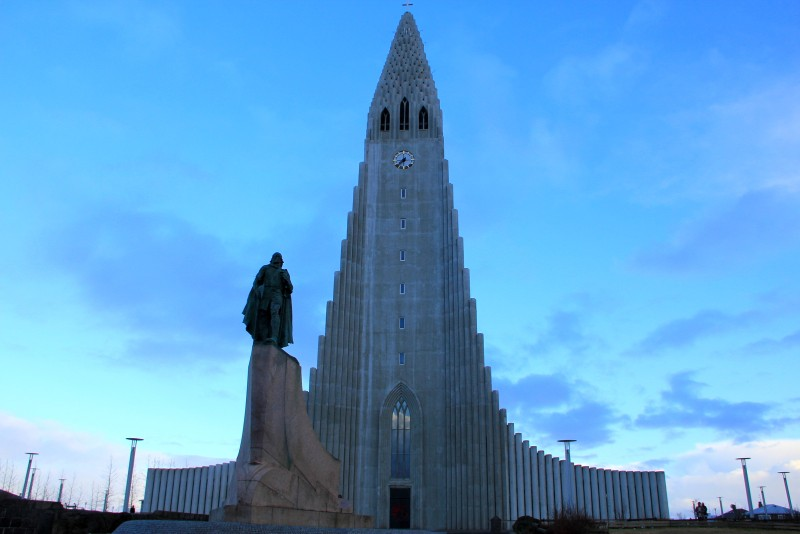 Evening Hallgrímskirkja Church