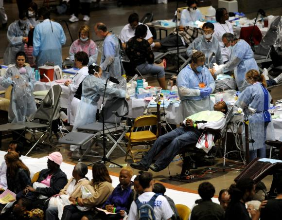 Free health care clinic in Inglewood, California, August 2009 (Photo: UPI)