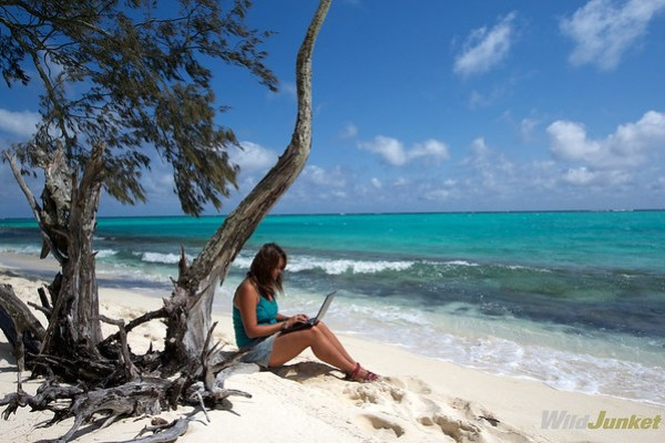 travel without quitting your job - Working remotely