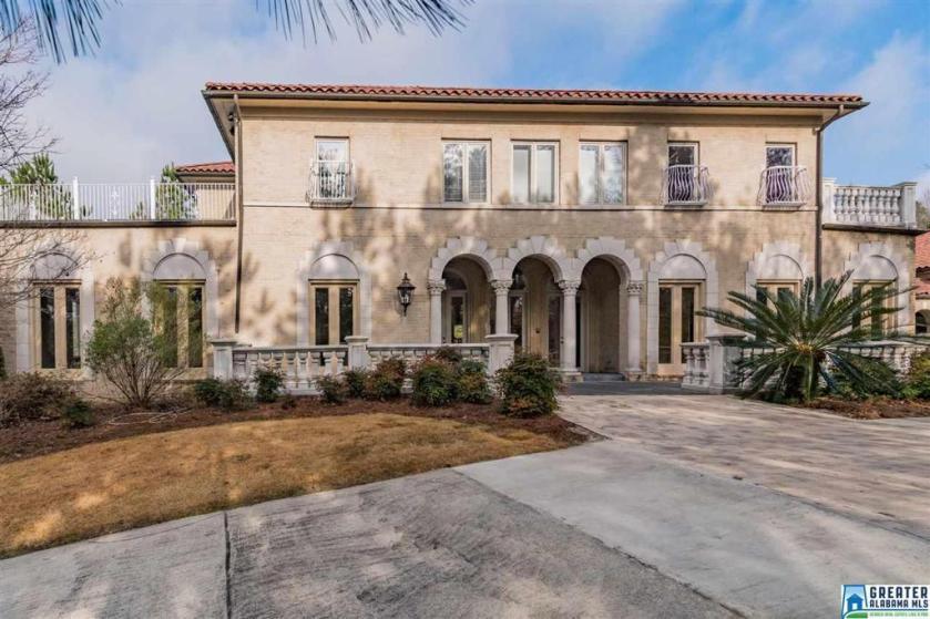 Property for sale at 7203 Wakefield Cir, Vestavia Hills,  Alabama 35242