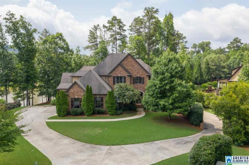 Property for sale at 2003 Bluestone Cir, Birmingham,  Alabama 35242