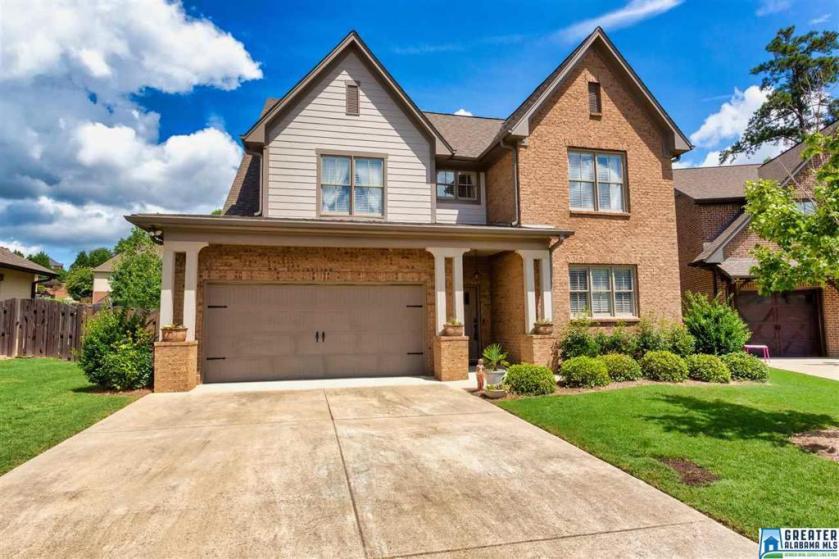 Property for sale at 4020 Cahaba Lake Cir, Hoover,  Alabama 35216