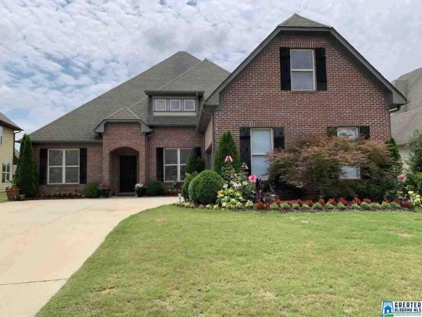 Property for sale at 1012 Seminole Pl, Calera,  Alabama 35040