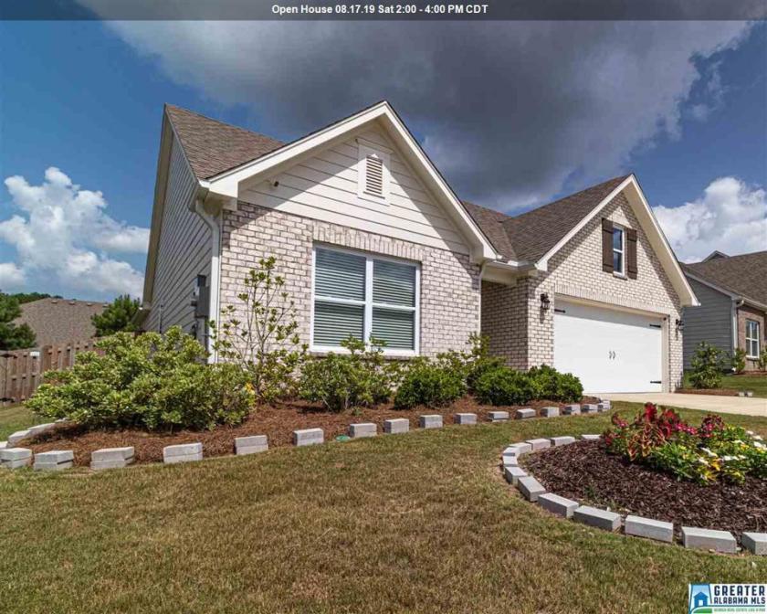 Property for sale at 1067 Riviera Dr, Calera,  Alabama 35040