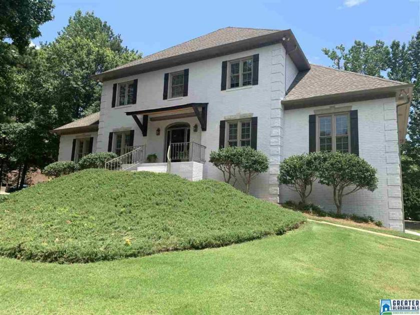 Property for sale at 3616 Shandwick Pl, Hoover,  Alabama 35242