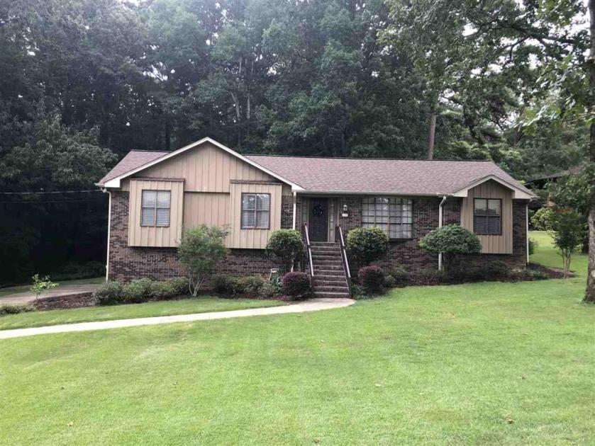 Property for sale at 175 Cape Rd, Hueytown,  Alabama 35023