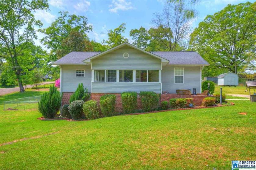 Property for sale at 468 11Th Ave, Graysville,  Alabama 35073