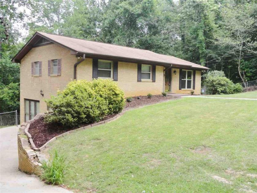 Property for sale at 752 SW 8th Ave, Graysville,  Alabama 35073