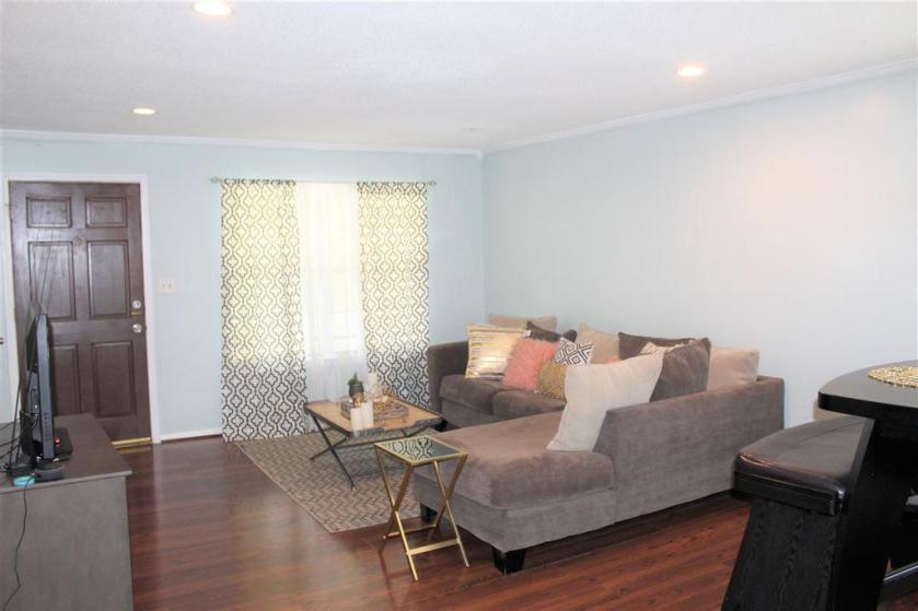 Property for sale at 2811 Georgetown Dr Unit C, Hoover,  Alabama 35216