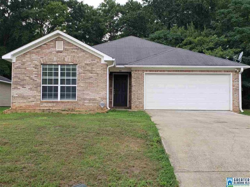 Property for sale at 2058 Townhouse Ln, Hueytown,  Alabama 35023