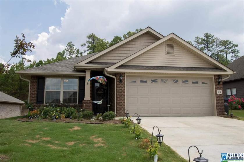 Property for sale at 3024 Highview Ln, Calera,  Alabama 35040