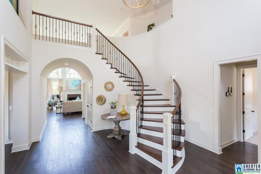 Property for sale at 2508 Scarlet Ln, Hoover,  Alabama 35242