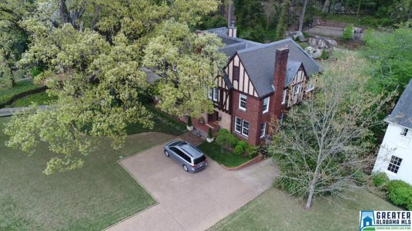 Property for sale at 3097 Salisbury Rd, Mountain Brook,  Alabama 35213