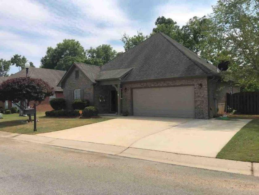 Property for sale at 251 Creekside Ln, Pelham,  Alabama 35124
