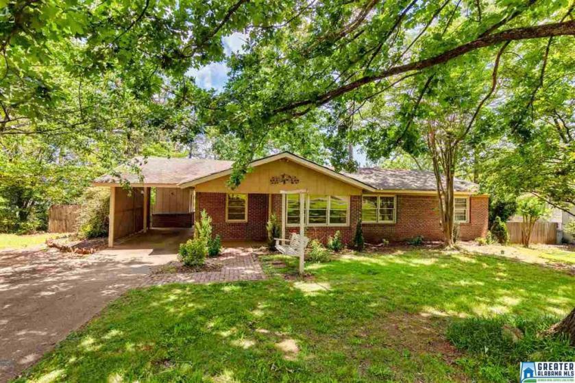 Property for sale at 1445 Linda Vista Dr, Vestavia Hills,  Alabama 35226