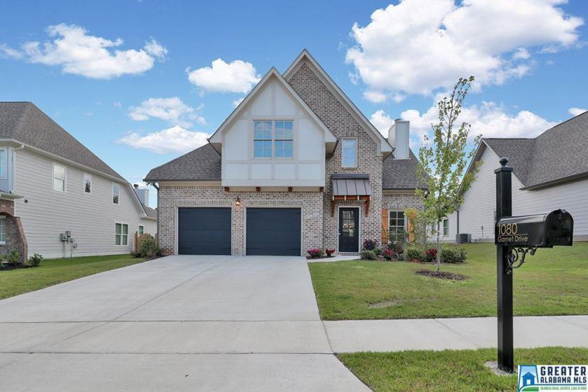 Property for sale at 1080 Garnet Dr, Calera,  Alabama 35040