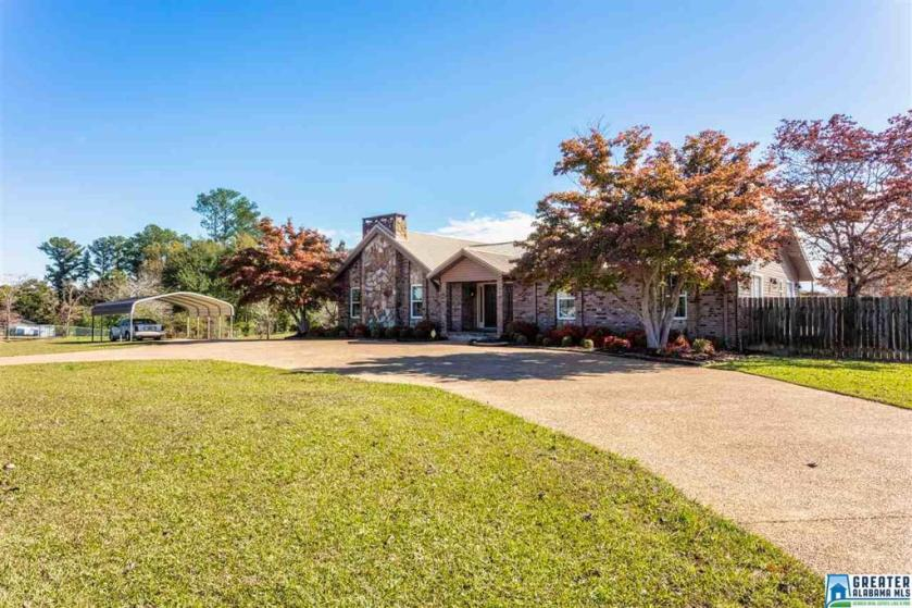 Property for sale at 1059 10th St, Pleasant Grove,  Alabama 35127