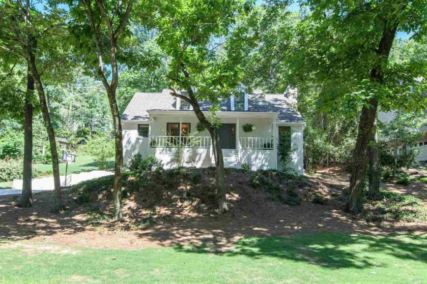 Property for sale at 732 Whippoorwill Dr, Hoover,  Alabama 35244