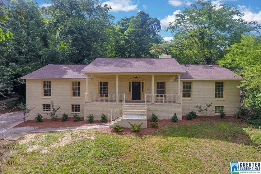 Property for sale at 1112 Sunhill Rd NW, Center Point,  Alabama 35215