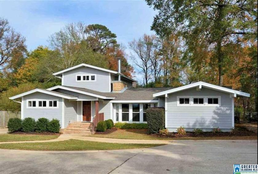 Property for sale at 321 Shades Crest Rd, Hoover,  Alabama 35226