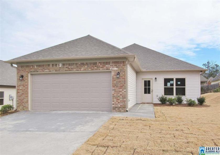 Property for sale at 166 Shiloh Creek Dr, Calera,  Alabama 35040