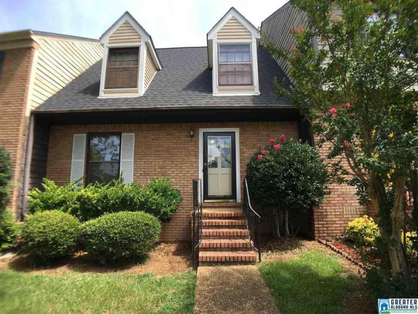 Property for sale at 702 Cahaba Manor Trl, Pelham,  Alabama 35124