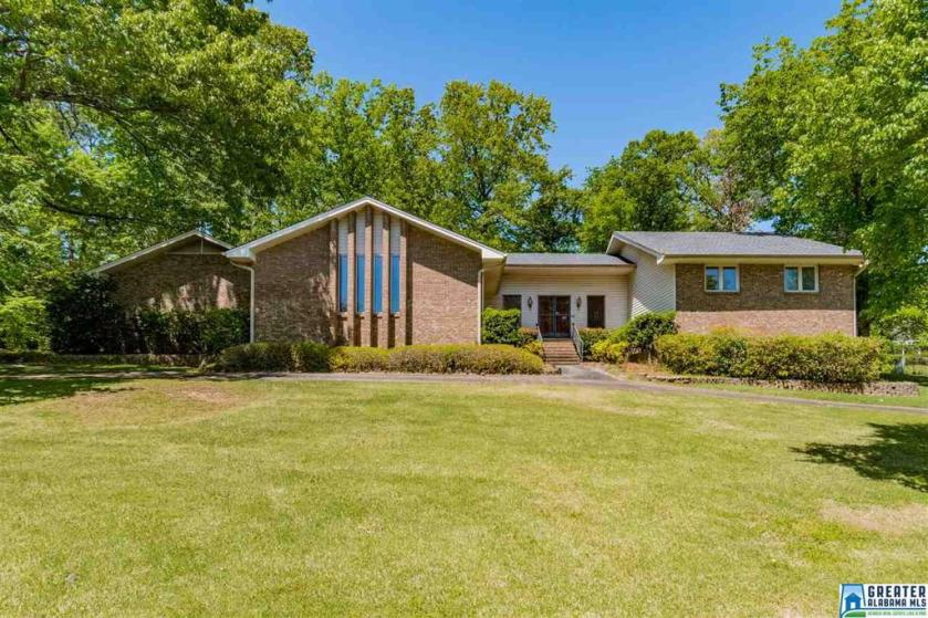 Property for sale at 2601 Creekview Dr, Hoover,  Alabama 35226