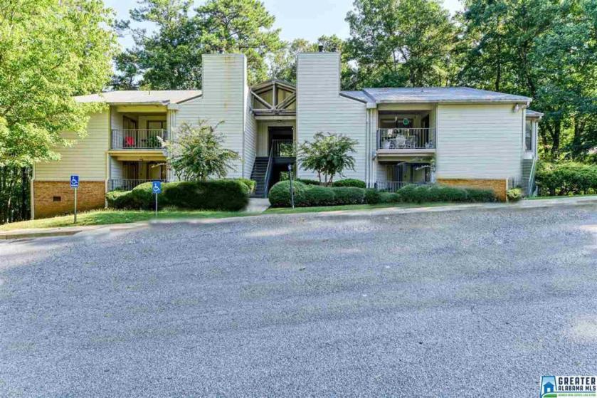 Property for sale at 1404 Gables Dr Unit 1404, Hoover,  Alabama 35244