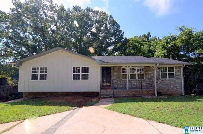 Property for sale at 1853 3rd Pl NE, Center Point,  Alabama 35215