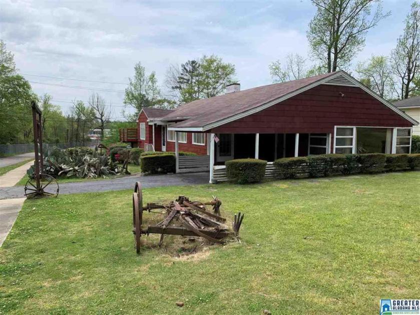 Property for sale at 2025 Southwood Rd, Vestavia Hills,  Alabama 35216