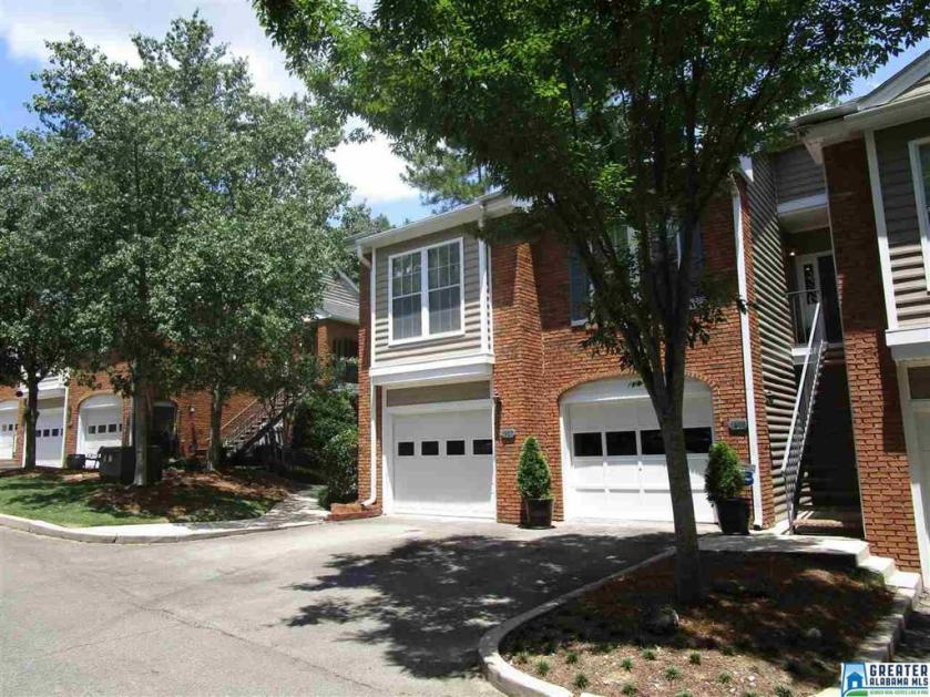 Property for sale at 1905 Waterford Pl Unit 1905, Hoover,  Alabama 35244