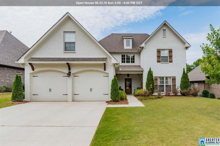 Property for sale at 369 Strathaven Dr, Pelham,  Alabama 35124