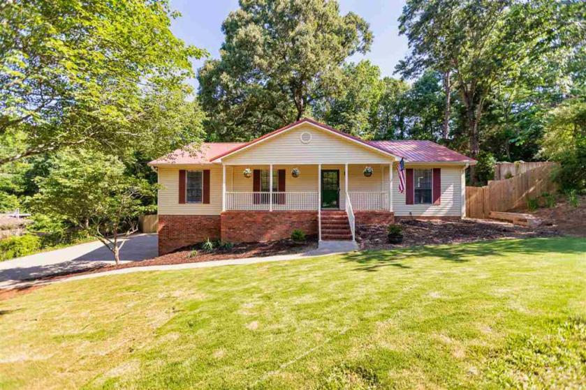 Property for sale at 1112 Dearing Downs Dr, Helena,  Alabama 35080