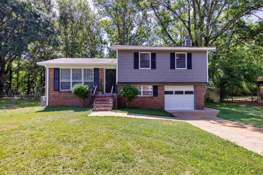 Property for sale at 548 Karey Dr, Center Point,  Alabama 35215
