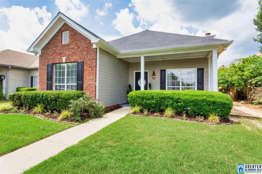 Property for sale at 979 Mcallister Dr, Calera,  Alabama 35040