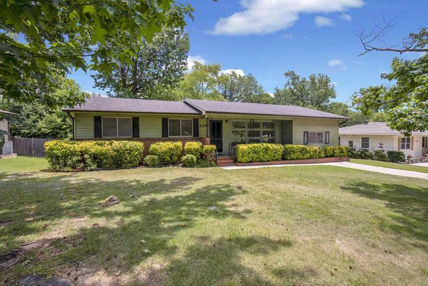 Property for sale at 2217 Pine Ln, Hoover,  Alabama 35226