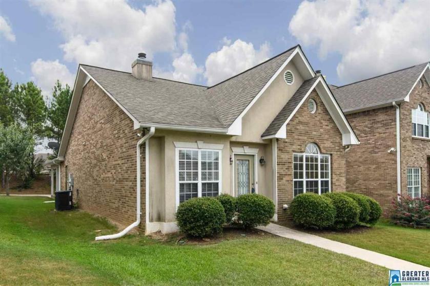 Property for sale at 115 Warwick Cir, Alabaster,  Alabama 35007